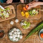Como uma alimentação saudável pode ajudar a evitar problemas de saúde?
