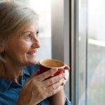 O chá de canela de velho pode ser a solução para suas dores articulares